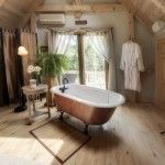 Pocono Bed and Breakfast Naturescape tub in room