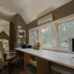 Pocono Bed and Breakfast workstation in gallery
